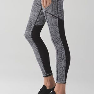 Lululemon Speed Tight V